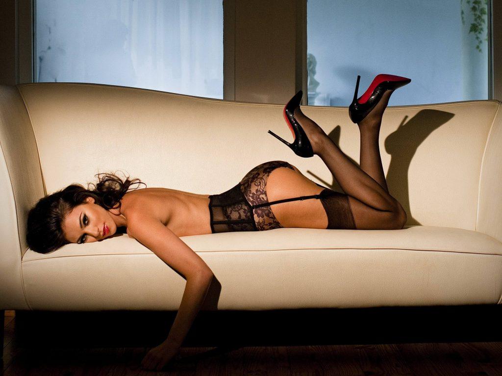 Surrey Escorts know seduction